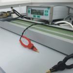 Miliommetar za steznim uređajem za merenje otpornosti provodnika